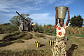 Daily Women Works : extract & carrying water from the open well